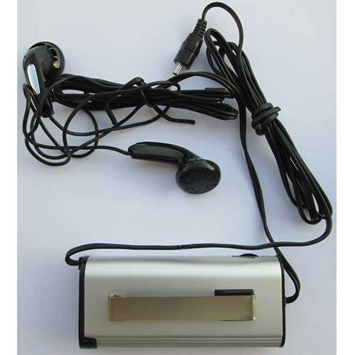 هندزفری و محفظه قرارگیری باتری نیم قلمی و گیره اتصال به پیراهن در دوربین شکاری زایس جیبی